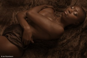 Boudoir Photography: Take Your Own Sexy Pictures at Home