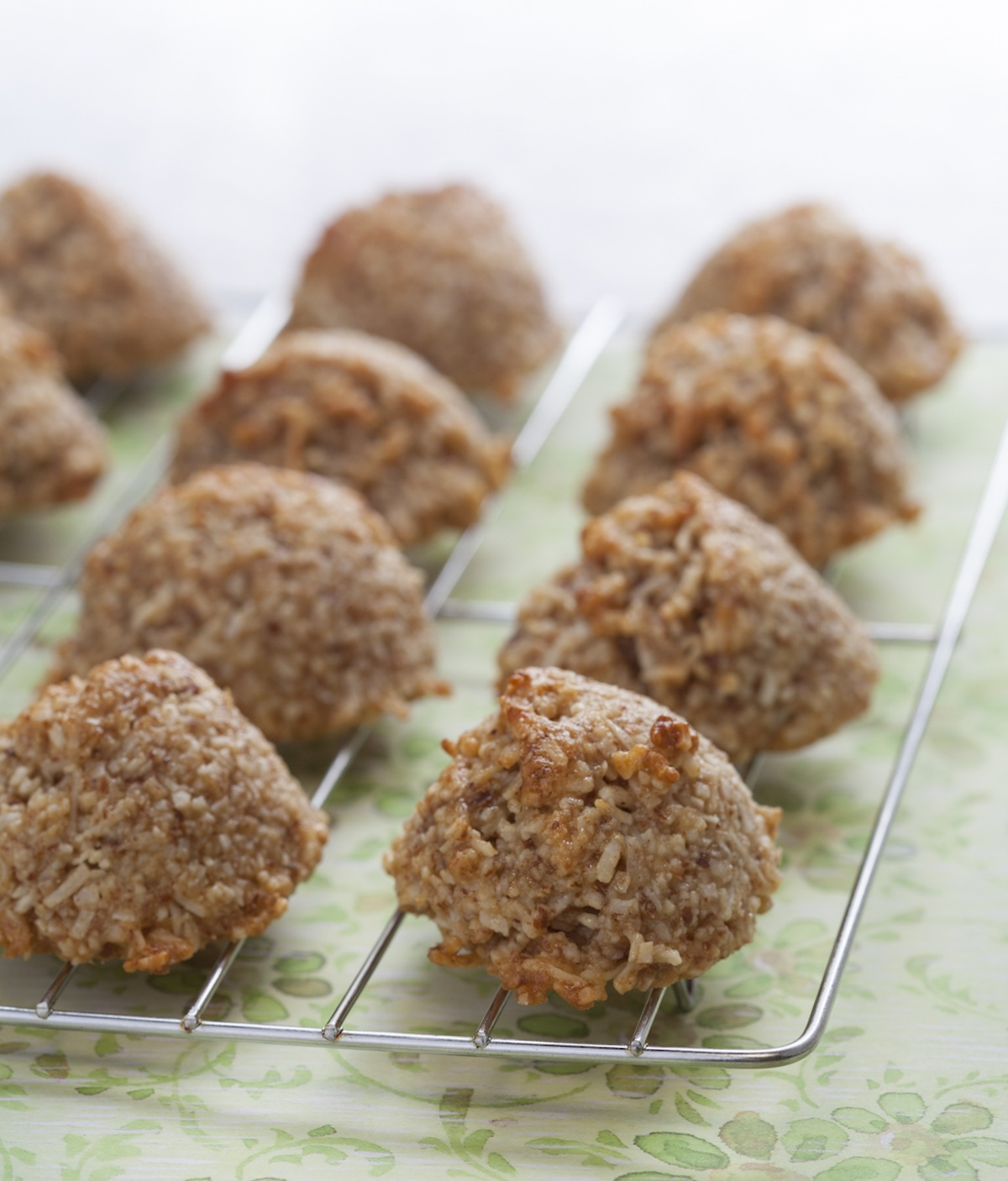 A Healthier Passover Cookie: Sugar, Gluten, Dairy and Egg-Free Coconut Macaroons