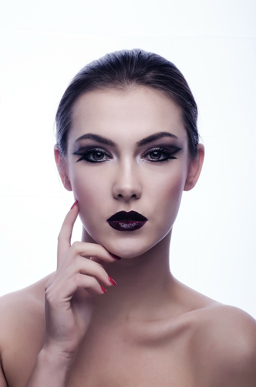 Beauty Mistakes You're Making That Are Actually AgingYou pics
