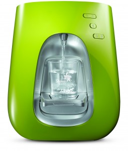 Sexy Hydration: Strauss Water Bar T7 in Green