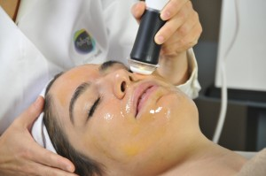 OxyGeneo 3-in-1 Facial