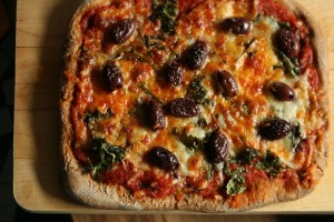 National Kale Day recipes: Kale Marinara Pizza with Olives
