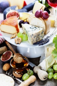 Holiday Hostess: How to Entertain Italian-Style with a Wine and Cheese Plate