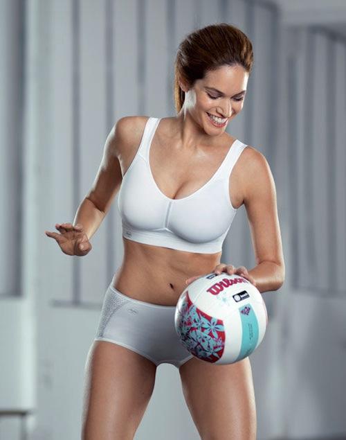 58663eb8ae9f6 Hello Bounce Free Zone  Choosing a Sport Bra - BrazenWoman