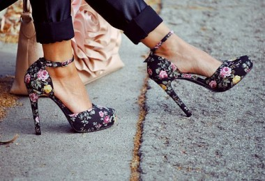 8 New Ways to Wear the New Spring Florals