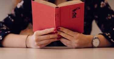 75% Classy: Why One Smart Woman Loves to Read Romance Novels