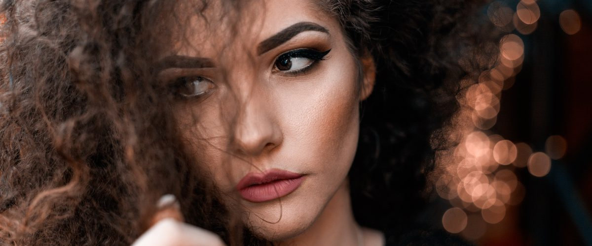 5 Ways to Calm Your Crazy Waves and Unruly Curls